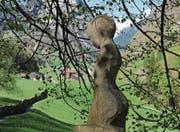 Die anmutige Sagenfigur am Waldrand beim Birchi inspirierte zum Fotowettbewerb «Zum Verlieben – das Isenthal». (Bild: PD)