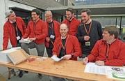 Orienteriungstrag der Armee in Alpnach: Die Moderatoren der Armee in «Ziviluniform». (Bild: Robert Hess (Alpnach, 16. März 2018))
