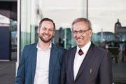 Michael Schönbächler (links) mit Vorgänger Emil Wallimann. (Bild: PD)