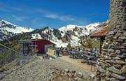 Bei der Turrenhütte kann man ab sofort einkehren – bei guter Witterung an den Wochenenden. (Bild Christoph Riebli)