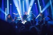 """Metallica bei einem Konzert in der TV-Show """"Circus Halligalli"""" im November 2016. (Bild: EPA/JOERG CARSTENSEN)"""