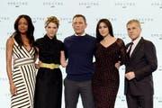 Sie spielen im neuen Bond-Film: Naomi Harris, Lea Seydoux, Daniel Graig, Monica Belluci und Christoph Waltz. (Bild: Keystone)