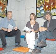 Treibende Kräfte hinter dem Projekt Lesehunger: (von links) Hansjörg Fehle, Präsident der Vortrags- und Lesegesellschaft Toggenburg, Paula Looser, Vertreterin der Bibliothek Ebnat-Kappel und Leo Morger, Vertreter der Kunsthallen Toggenburg. (Bild: sas)
