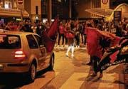 Freude bei den albanischen Fans auf dem Marktplatz. (Bild: Reto Voneschen)