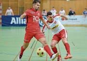 Zweikampf im letztjährigen Final zwischen dem FC Rapperswil-Jona und dem FC Amriswil. (Bild: Ralph Ribi)