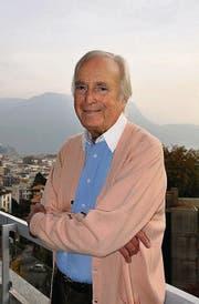 Martin Böttcher auf dem Balkon seiner Wohnung in Lugano. (Bild: Reinhold Hönle)