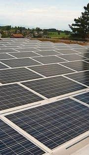 Die Photovoltaikanlage im Vogelherd in Wittenbach. (Bild: pd)