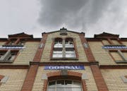 Dunkle Wolken über der Brauerei Stadtbühl in Gossau. Ob der geplante Neubau realisiert werden kann, ist ungewiss. (Bild: Benjamin Manser)