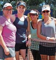 Die Finalistinnen des Frauen-Doppelfinals (von links): Die Siegerinnen Anja und Dorothea Kühnis, Rita Rohner und Daria Grob. (Bild: pd)