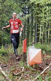 Daniel Hubmann gelang ein schneller Lauf ohne Fehler. (Bild: pd/Swiss Orienteering)