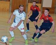Valdet Istrefi (links) und der FC St. Margrethen setzten sich im Final gegen das bis dahin ebenfalls überzeugende Rheineck durch. (Bild: Yves Solenthaler)