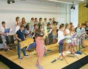Das Konzert wurde mit dem Lied «Sunneufgang» eröffnet. (Bild: PD)