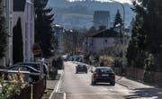 Nur eine Strassenbreite entfernt, trennt die Bewohner der Bruggwaldstrasse die Grenze zwischen Wittenbach und St. Gallen. (Bild: Michel Canonica)