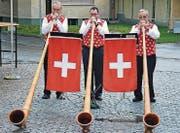 Das «Alphorntrio vom Eselschwanz» hat die St. Margrether Gwerbler zur Eröffnung begrüsst.