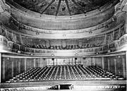 Blick von der Bühne in den Zuschauerraum des alten Theaters.
