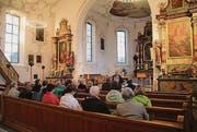 Johannes Huber erzählt über die katholische Kirche in Häggenschwil. (Bild: Fejsal Sulejmani)