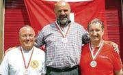Auf dem Podest: Schweizer Meister Roland Gyger (Mitte), Dominique Wohnlich, Armin Kaufmann (rechts). (Bild: pd)