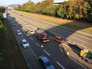 Der Autobahn ist einspurig befahrbar. (Bild: Simon Dudle)