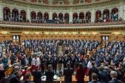 Einseifen, damit nichts mehr schiefgeht: Die Bundesratsparteien sollen auf Kurs gebracht werden. (Bild: PETER KLAUNZER (KEYSTONE))