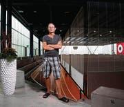 Fritz Bischoff im Rund des Athletik Zentrums, seinem «Wohnzimmer». (Bild: Urs Jaudas)