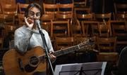 Der Liedermacher Pippo Pollina wird im Mai einmal mehr im «Chössi» auftreten, und zwar an einer Vorpremiere im kleinen Rahmen. (Bild: PD)