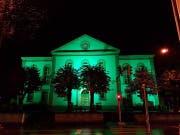 So leuchtete die Kirche in Wattwil nur kurz. Die Beleuchtungskörper wurden kurz nach dem Start der Aktion gestohlen. (Bild: PD)