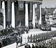 Im März 1938 paradierte die deutsche Wehrmacht auf dem Dornbirner Marktplatz. Zuckerhut-Bunker (Symbolbild) am Rhein sollten die Sprengung der Rheinbrücken sicherstellen. (Bild: Stadtarchiv Dornbirn/Wikimedia)