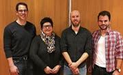Von links: Christoph Ziegler (Rücktritt Chef Anlässe), Gaby Hasler (neues Ehrenmitglied), Beda Suter (Präsident), Pascal Hollenstein (neu Chef Anlässe). (Bild: PD)