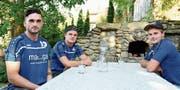 Jérôme Sepin, Noah Kellenberger und Stefan Fehle spielen beim NLA-Verein Walzenhausen. Dieses Wochenende bestreiten die drei jungen Faustballer mit der U 21-Nationalmannschaft die Europameisterschaften in Deutschland. (Bild: Mea Mc Ghee)