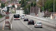 Ab 4. Mai nur noch einspurig befahrbar: Die Fahrbahn der Fürstenlandbrücke wird erneuert. (Bild: Urs Jaudas)