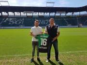 Andreas Wittwer (links), der neue Verteidiger des FCSG, mit Sportchef Christian Stübi. (Bild: pd)