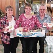 Drei glückliche Preisgewinner, von links: Vreni Meier, Marlis Meier und Sepp Mullis. (Bild: PD)