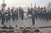 Der Frauenchor Altstätten würdigte den heftigen Applaus der Besucherinnen und Besucher mit einer Zugabe. (Bild: Theodor Looser)