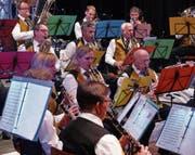 Bestachen mit schmissigem Sound: Die Instrumentalisten der Musikgesellschaft Wattwil. (Bilder: Franz Steiner)