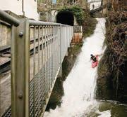 Abschluss der Kajakfahrt ins Becken unterhalb der Mülenenschlucht. (Bild: pd)