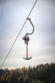 Die kleinen Skilifte in der Ostschweiz, hier eine Anlage in Degersheim, kämpfen ums Überleben. (Bild: Claudio Heller)