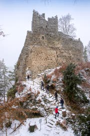 Die imposanten Überreste der Burg Ramschwag bei Häggenschwil. (Bild: Urs Bucher)
