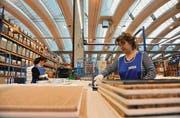 Blick in die Küchenproduktion von Forster in Arbon. Die Division Küchen und Kühlen hat den Betriebsverlust auf 2,5 Millionen gut halbiert. (Archivbild: Susann Basler)