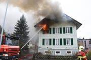 Dieses Haus fing Feuer. (Bild: Kapo SG)
