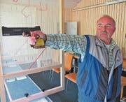 Theo Dietsche von den Pistolenschützen Rüthi-Lienz ist vorläufig der beste einheimische Kandidat für den Festsieger-Ausstich in der Kategorie 50 Meter. (Bild: Mäx Hasler)