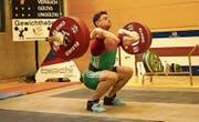Patrick Penczak mit 131 kg im Umsetzen. (Bild: Urs Kern)
