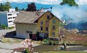 Rauch über dem Tal: Am Samstag wurde in Rebstein geübt. (Bild: pd)