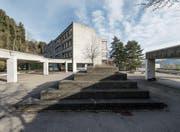 Das Oberstufenschulhaus Zil wurde 1973 eröffnet und seither nicht mehr umfassend saniert. (Bilder: Hanspeter Schiess)
