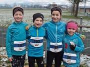 Die Kinder aus Bütschwil bewältigten den Crosslauf in Benken bei herausfordernden Bedingungen. (Bild: PD)