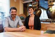 Ruedi und Elsbeth Roth haben viele Pläne, um den Gasthof Löwen in Hemberg wieder auf Touren zu bringen. (Bild: Urs M. Hemm)