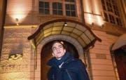 Jonathan C. Meier vor der Tonhalle St. Gallen, wo übermorgen seine «Fünf Tageszeiten» uraufgeführt werden. (Bild: Ralph Ribi)