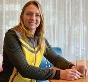 Guylaine Buecheli sagt, der Markenname Rheintal stehe für Qualität und habe sich etabliert. In ihre zweite Heimat reist sie oft, sie besucht Verwandte und fährt mit ihren Kindern Ski. (Bild: Remo Zollinger)