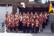 Rot waren die Gewänder der Bürgermusik Wildhaus im Jahr 1978. (Bild: PD)
