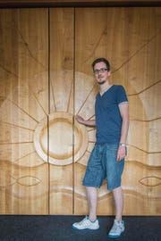 «Habe viel ausprobiert»: Daniel Kiefer startete seine Laufbahn als Pfarrer in Wittenbach. (Bild: Jil Lohse)
