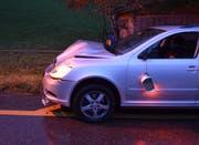Am Unfallwagen entstand ein Schaden von mehreren tausend Franken. (Bild: Kapo AR)